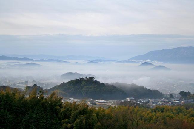 従二位 大和写真大納言  浜田 守様 「雲海の大和三山」