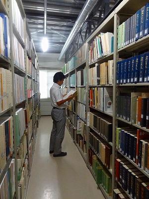 (118)奈文研の図書室.jpg