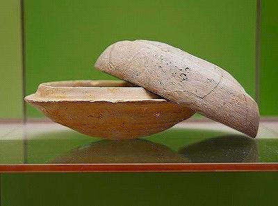 (24)土器の形と食事法の変化.jpg