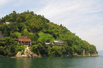 6.琵琶湖に浮かぶ竹生島.jpg