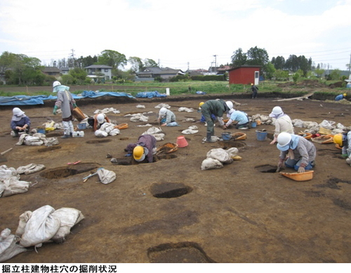掘立柱建物柱穴の掘削状況.jpg