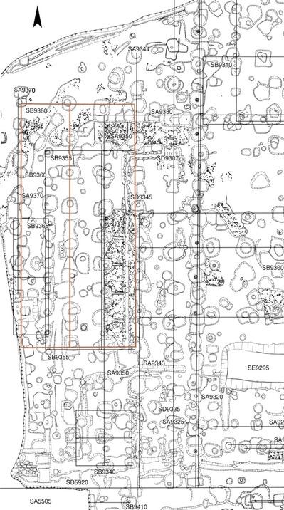 多くの柱穴を建物や塀にまとめる_赤線はSB9360.jpg